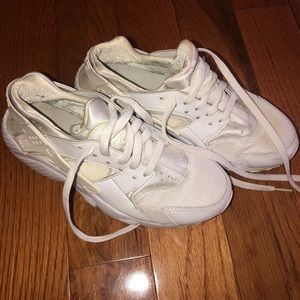 Nike Air Huarache Women's White Size 5.5